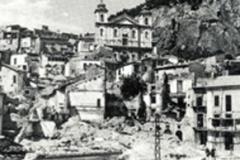 piazza pleb distrutta Ridimensionamento-1