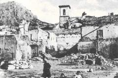 15 CHIESA S.GIOVANNI E PIAZZA PLEBISCITO DOPO LA DISTRUZIONE NOVEMBRE 1944